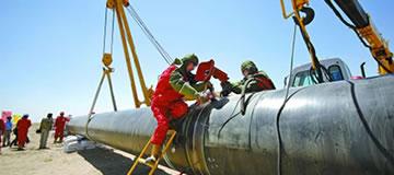Tubulação para transferência de petróleo e gás