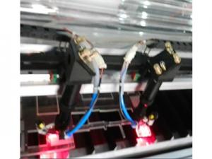 Máquina de corte e gravação a laser de dupla cabeça